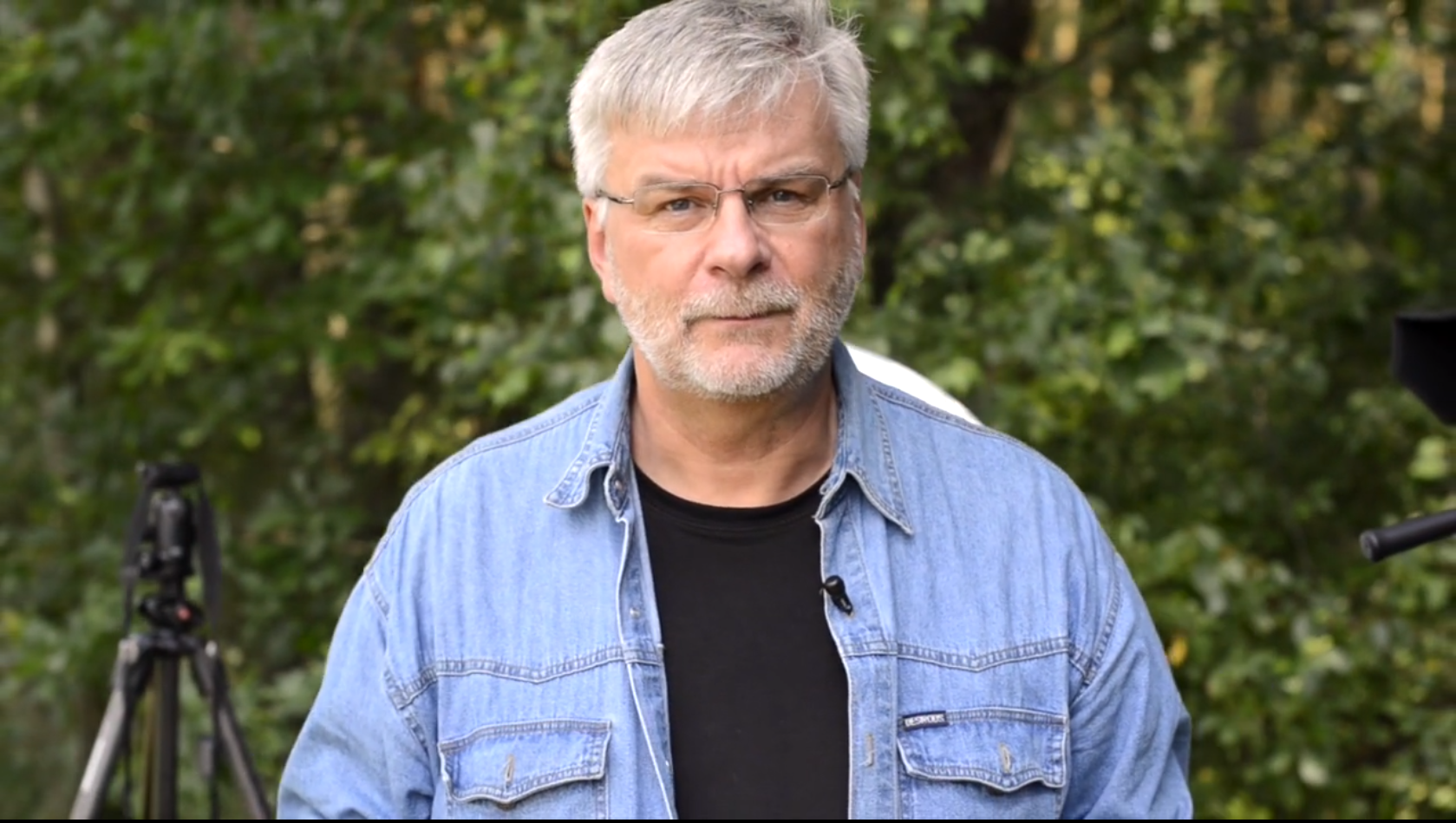 Obraz przedstawiający autora kursu fotografii online dla początkujących - Marka Waśkiela.