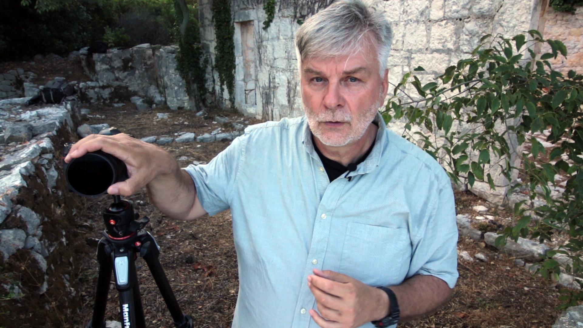 Obraz przedstawiający autora internetowej szkoły fotografii Marka Waśkiela.