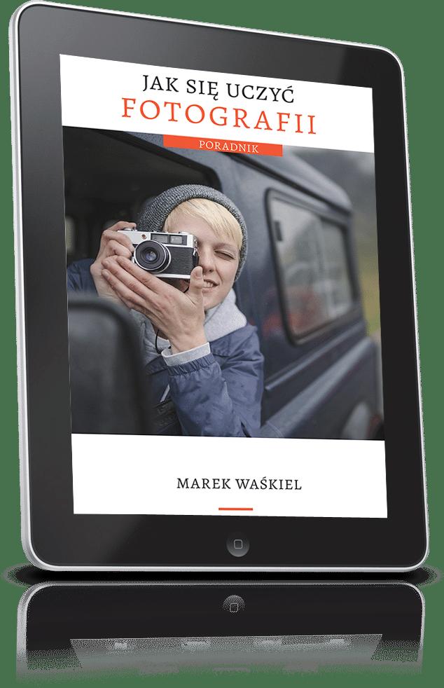 Obraz przedstawiający okładkę darmowego ebooka o fotografii.