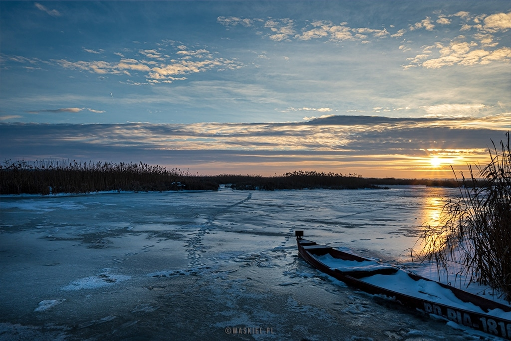 Obraz przedstawiający jak fotografować zimą.